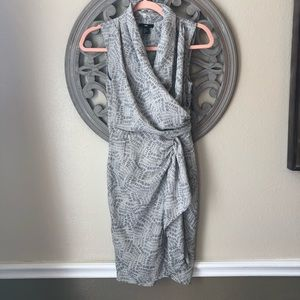 🍬 H&M faux Wrap dress size 2 grey and white